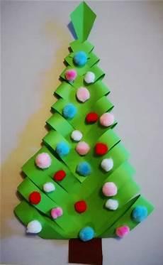 weihnachtsbaum aus papier bastelfrau