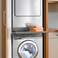 haushaltsraum trockner und waschmaschine 252 bereinander