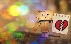 Gambar Foto Boneka Danbo Sedih Patah Hati Sad