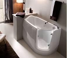 seduta per vasca da bagno la vasca da bagno come sceglierla per avere una stanza