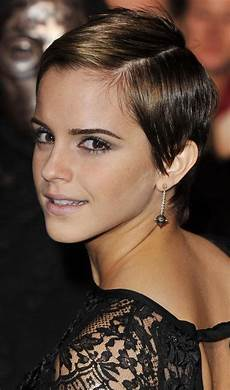 10 sleek hairstyles for short hair