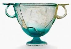 vaso romano antico vetro romano cerca con vetro antico arte in