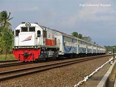 Gambar Kereta Api Model Indonesia Railways