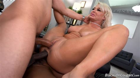 Cougar First Porn
