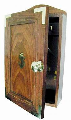 boite a clefs bois et laiton roi de bretagne