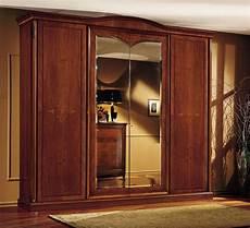 garde robe garde robe classique en noyer avec 4 portes pour