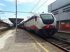 treno genova pavia it 64 i treni della mattina nella stazione di pavia 23