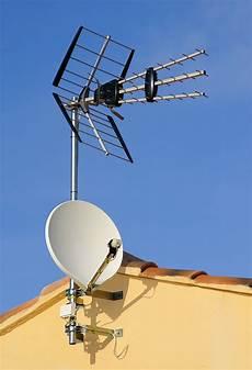 Lacoste D 233 Pannage Pose D Antennes Et De Paraboles 224 L 233 Zat