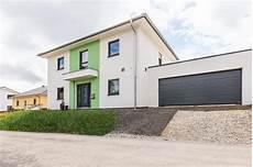stadtvilla mit doppelgarage ausbauhaus stadtvilla mit photovoltaikanlage und