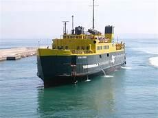 pozzuoli ischia porto traghetti navi e armatori approdi di passione