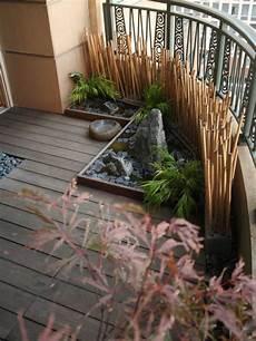 bambou de balcon 34 ideas for decorative bamboo poles how to use them