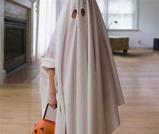 25 effortlessly frugal last minute halloween costumes toddler halloween costumes ghost