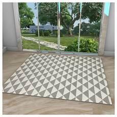 tapis style scandinave blanc et gris