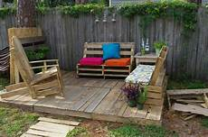 17 Best Images About Pallet Patio On Shipping