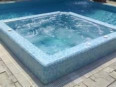 vasche d acqua piscine saune e vasche idromassaggio perpool