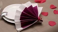 comment plier des serviettes de table en papier comment r 233 aliser un pliage de serviette original pour vos