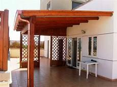 coprire una terrazza coperture in legno per terrazzi pergole e tettoie da