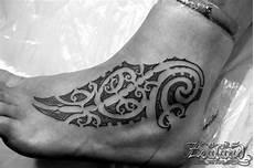 tatuaggi maori lettere dreamlike foot maori foot on tattoochief
