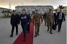 presidenza consiglio dei ministri segretariato generale libano il presidente conte incontra il contingente italiano