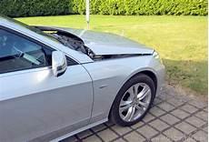 Aktive Motorhaube Mercedes Haube Rechts Aktive Motorhaube In Aktion Gott Sei
