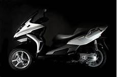 quadro roller 500 2011 quadro 3d 4d scooters revealed autoevolution
