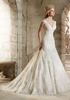 Lace Wedding Gowns Uk