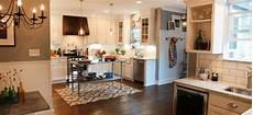 Kitchen Decor Fixer by Hgtv S Fixer Kitchen Breakdown Magnolia Market