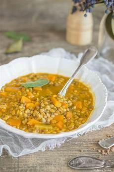 zuppa di zucca zuppa di farro con zucca e lenticchie ribes e cannella