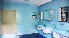 modernisierung eines siebziger jahre bades