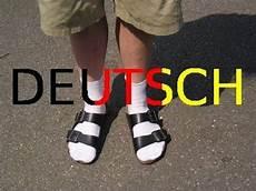 sandalen mit socken sandalen mit socken typisch