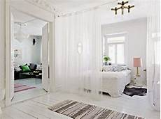 Raumteiler Ideen Schlafzimmer - room divider curtain for your bedroom privacy and home