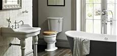 salle de bain à l ancienne baignoire ancienne pour une salle de bains retro design