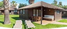 bungalow bungalow bungalows aloha de madera en cambrils como la polinesia