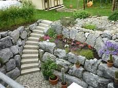 steinmauererstellung garten landschaftsbauarbeiten