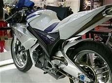 Modifikasi Vixion 2011 by Info Modifikasi Motor Menggeber Vixion Putih Kesayangan