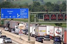 a8 autobahn m 252 nchen stuttgart wegen unfallserie gesperrt