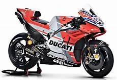 Les 5 Motos Les Plus Rapides Du Monde Au 224 Des 300 Km H