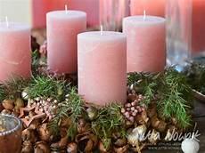 jutta nowak i floristik i adventsausstellung 2014 i