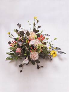 flowers and mourning rituals how flowers do that