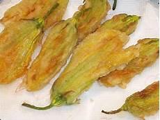fiori di zucca fritti fiori di zucca fritti fiordizucca cibo ricette