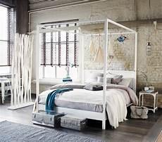 letto baldacchino maison du monde letto a baldacchino 160 x 200 bianco sporco in pino