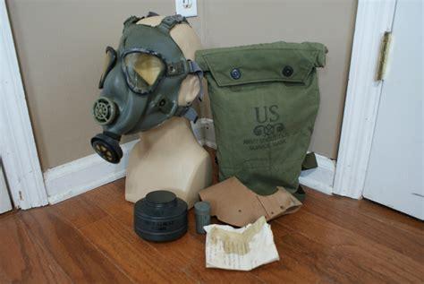 M22 Gas Mask