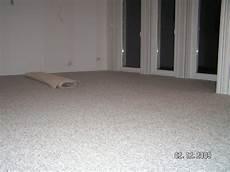 wandfarbe grün kaufen teppichboden grau wohnzimmer haus deko ideen