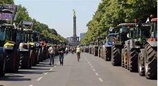 Nach Berlin - tausende bauern rollen sonnabend im traktor nach berlin