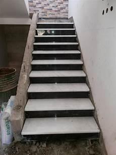 Escalier En Marbre Blanc Et Noir