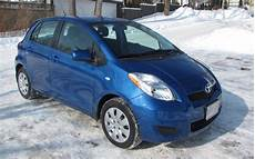 toyota yaris 2000 the toyota yaris le hatchback 2 000 kilometres later the car guide