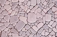 kieselsteine in beton verlegen steinteppich selbst verlegen 187 schrittweise anleitung