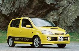 Daihatsu YRV Hatchback Review 2001  2004 Parkers