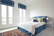 mur bleu paon 1001 id 233 es pour la d 233 coration d une chambre bleu paon