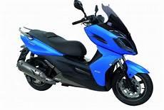 permis moto lille pr 233 sentation du scooter 125 kymco k xct 125i